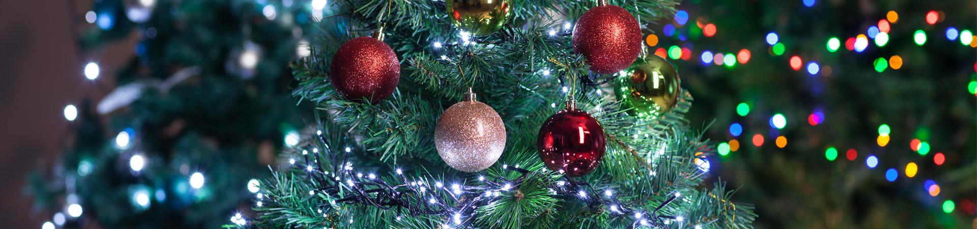 CHRISTMAS_TREE_DECORATIONS